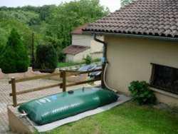 Citerne souple pour la récupération d'eau de pluie.