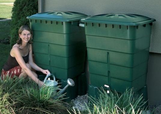 Kit 2 cuves à eau 300L Garantia avec robinet et collecteur