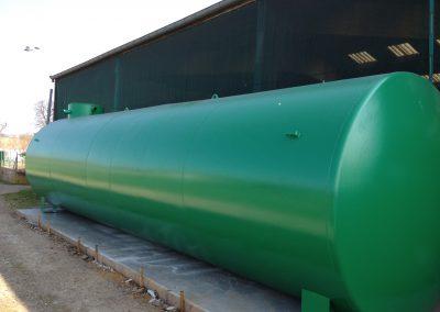 Cuve en acier verte, pour le stockage d'eau, par ESA-Evolutions.
